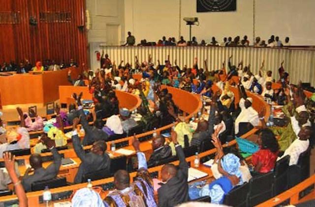 Tiraillements et pugilat entre députés pour un groupe parlementaire