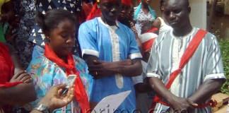 Manifestation devant la mairie de Tambacounda contre l'émigration