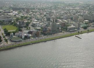 Libreville observe le calme