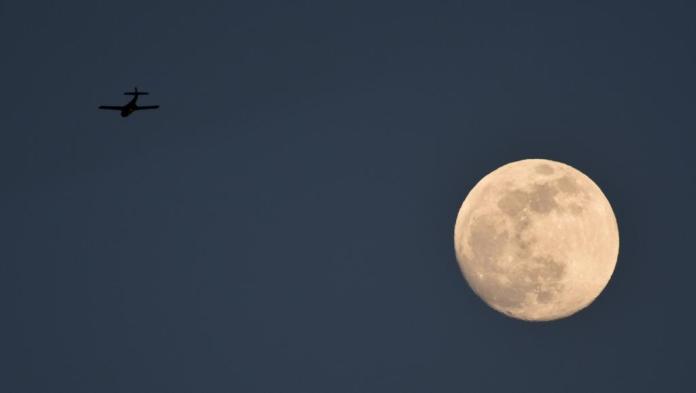 La lune géante, plus lumineuse