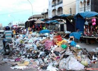 Dakar infesté par les ordures