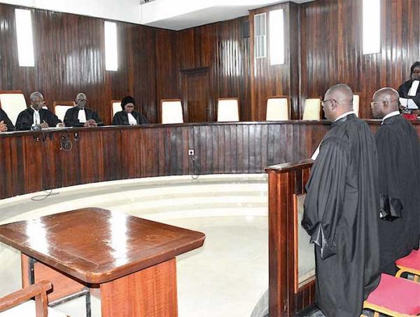 Le Conseil constitutionnel au complet