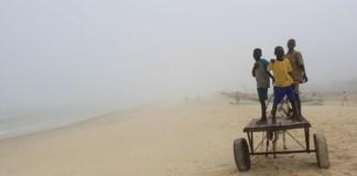 Brouillard et chaleur sur le Sénégal