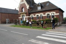 2014-04-31-fleurissement-de-la-commune-dhaplincourt32