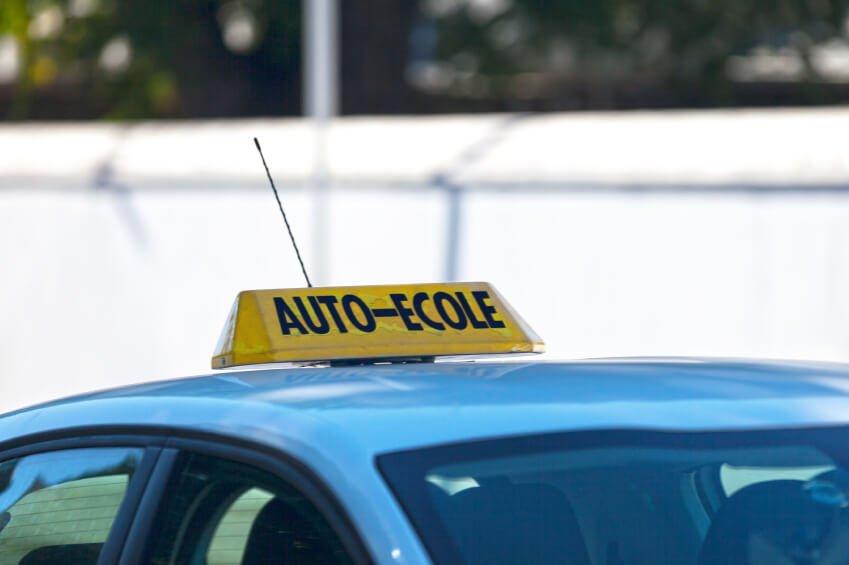 Prix des heures de conduite : Bordeaux et Nantes au banc d'essai