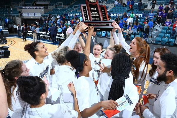 March Madness: Men's, women's basketball teams honored ...