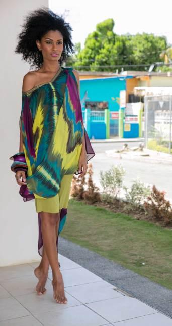 Folded envelope tunic and Bermuda shorts | 2010 Kaj Resort collection, Shore Culture
