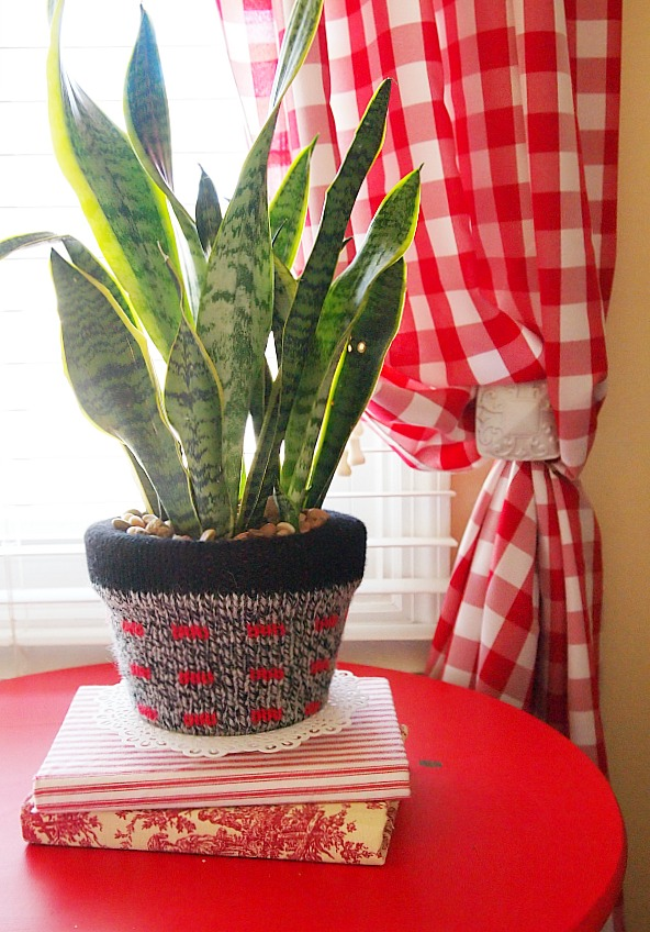 sweater covered pot