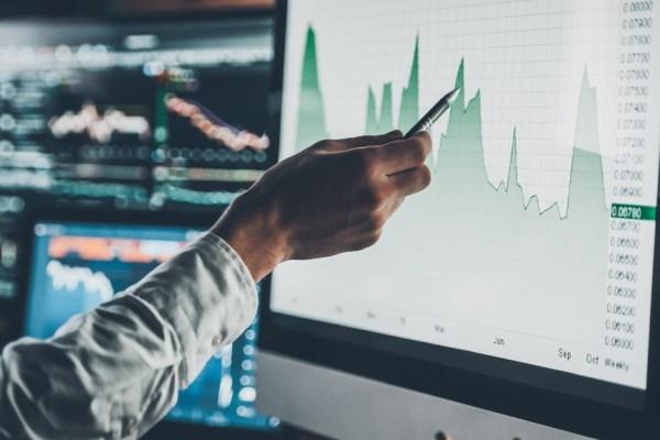 Pesquisa sobre controle e acompanhamento de investimentos e aplicações financeiras