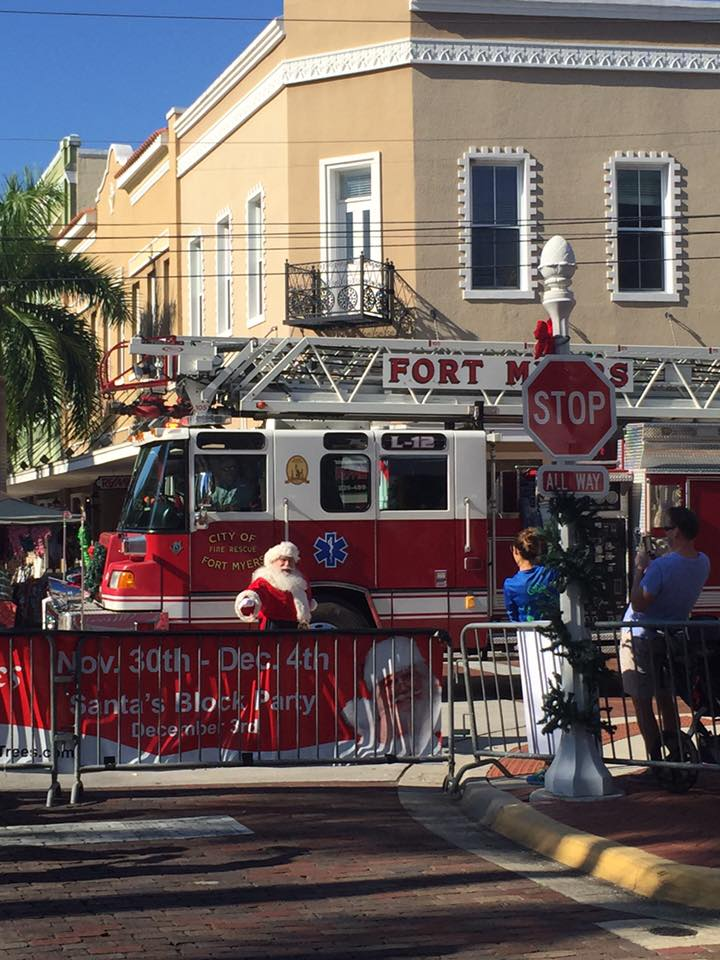 Santa comes to Fort Myers
