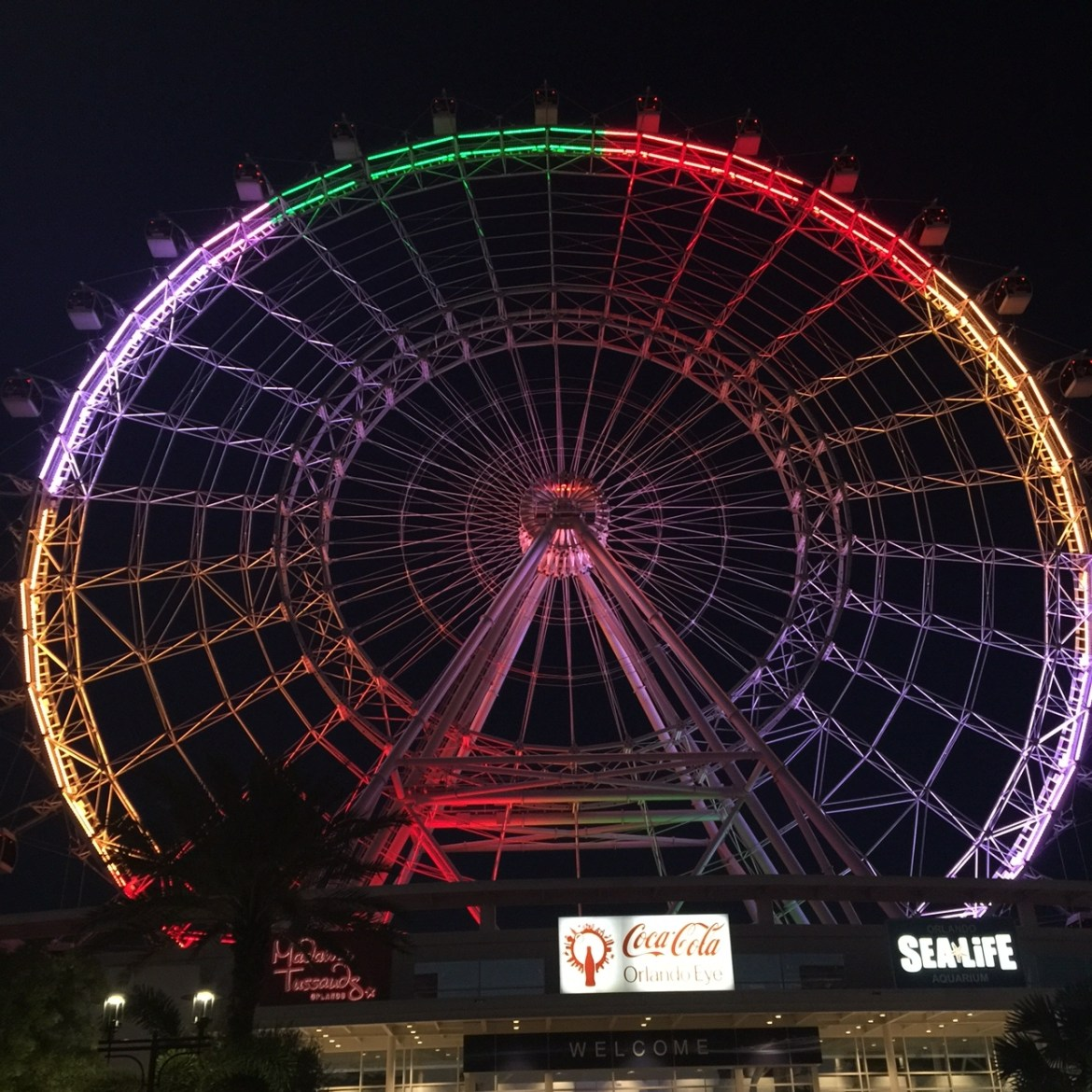 Things to do in Orlando with kids | Idrive 360 with kids | things to do on I-Drive | International Drive | Orlando Eye | #EyeHeartOrlando | family travel | acupful.com | Mandy Carter | travel with kids | Coca Cola Orlando Eye
