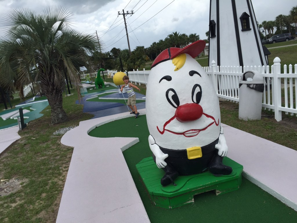 Jekyll Island with Kids | Vacation on the Golden Isles of Georgia | Family Travel | Acupful.com | 10 things to do with kids in Jekyll Island | #JekyllIsland | Mandy Carter travel writer & photographer | Jekyll Island Putt Putt Golf