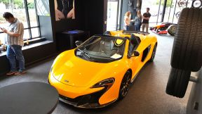 McLaren 650S Pirelli LA F1 fans party