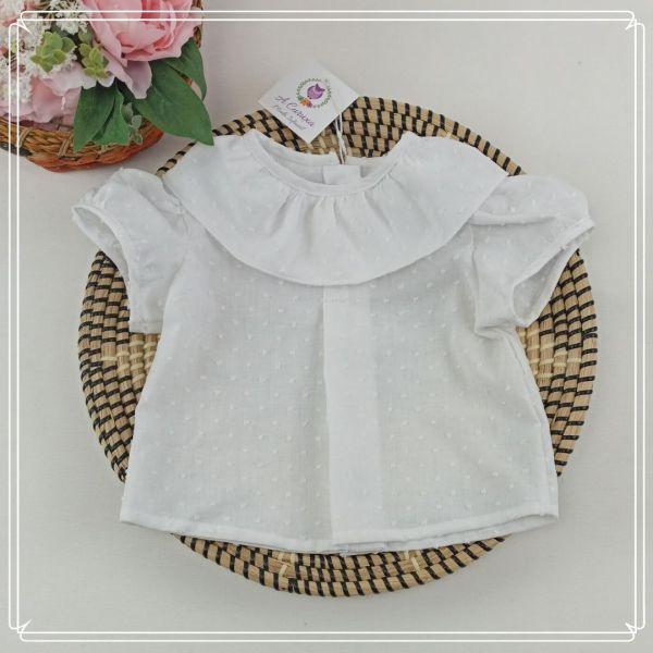 blusa con volante y manga corta plumeti blanco