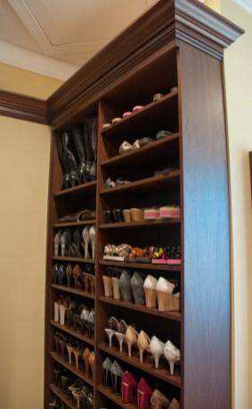 620 shoe shelves