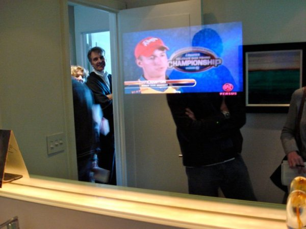 Two Way Mirror w/TV in Scottsdale Home | A Cut Above Glass