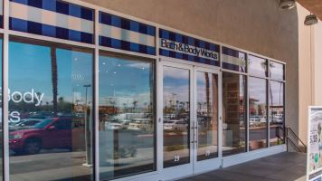 Exterior Commercial Storefront Glass Web Featured