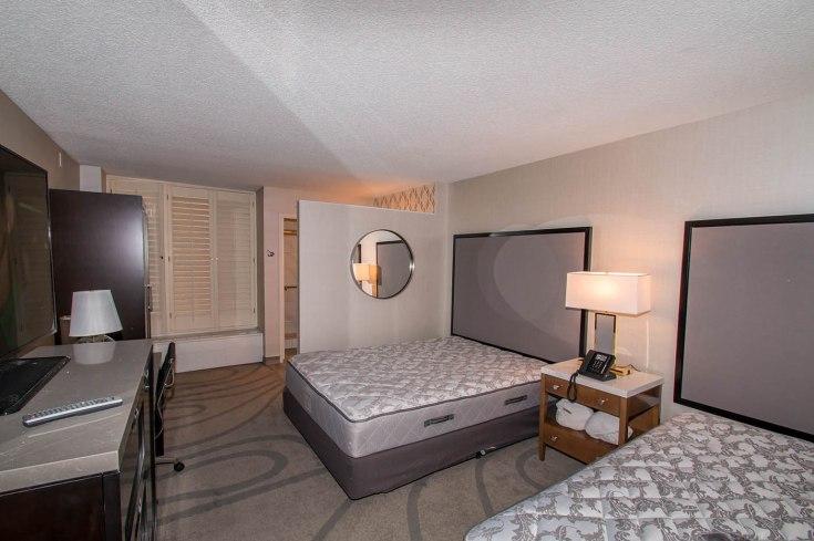 California Hotel Interior Room - A Cutting Edge Glass