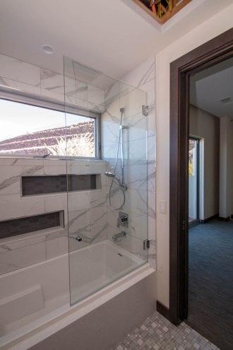 Shower Door Enclosure System - Sunwest Custom Homes