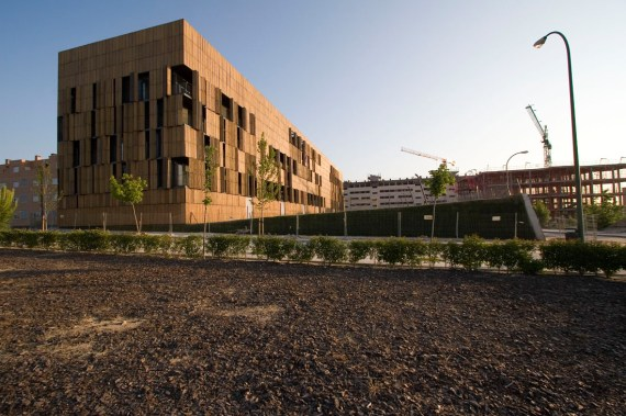 16 Social Housing by Foreign Office Architects. Image courtesy of ArchDaily