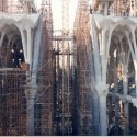 AD Classics: La Sagrada Familia / Antoni Gaudi Construction of the aisle vaults, 1997 © Expiatory Temple of the Sagrada Família