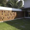 The Running Wall Residence / LIJO RENY architects © Paveen Mohandas