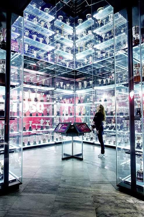 Schatzkammer: Das Benfica-Museum ist bis oben prall gefüllt mit Pokalen