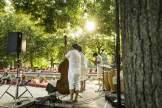 Zum Kulturstrand mit Musik ist der Vater-Rhein-Brunnen avanciert.