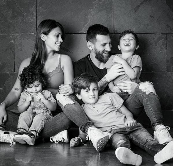 messi family photo