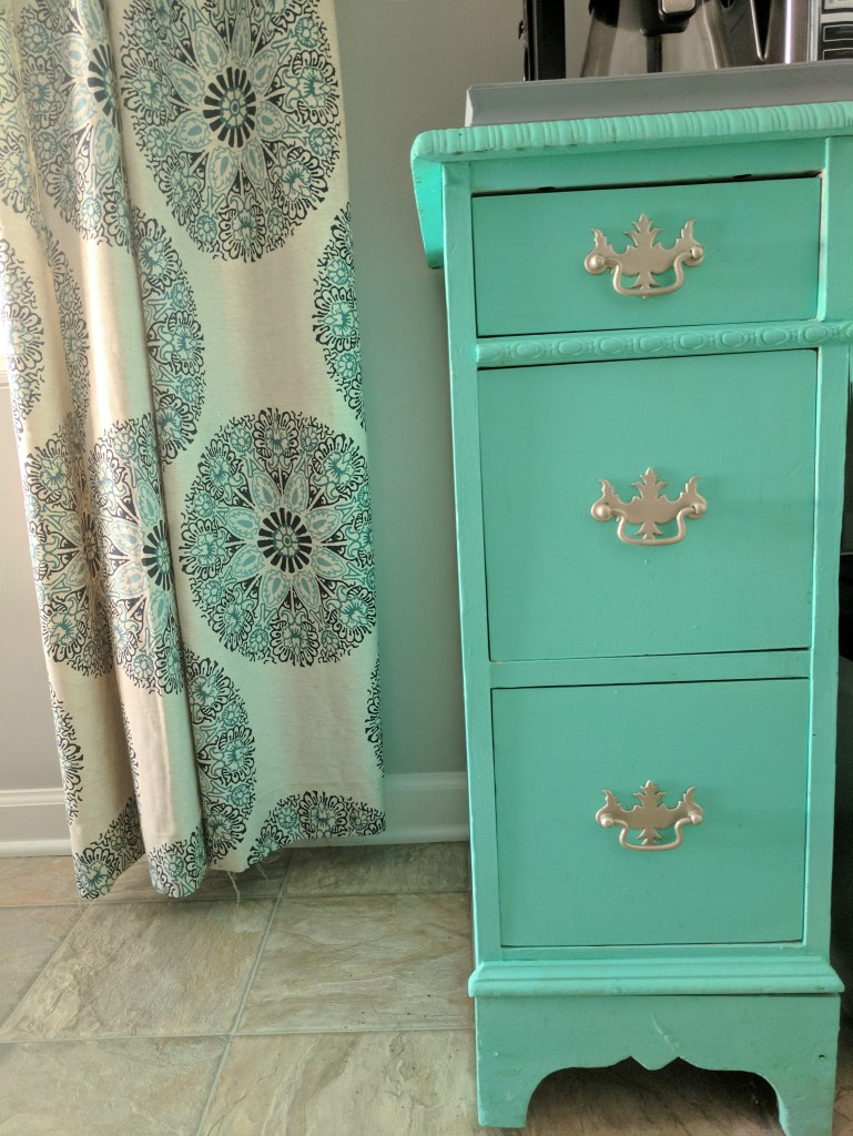 Image of furniture painted with diy chalk paint