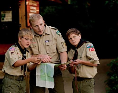 scouts-leader-compasses-959599-wallpaper