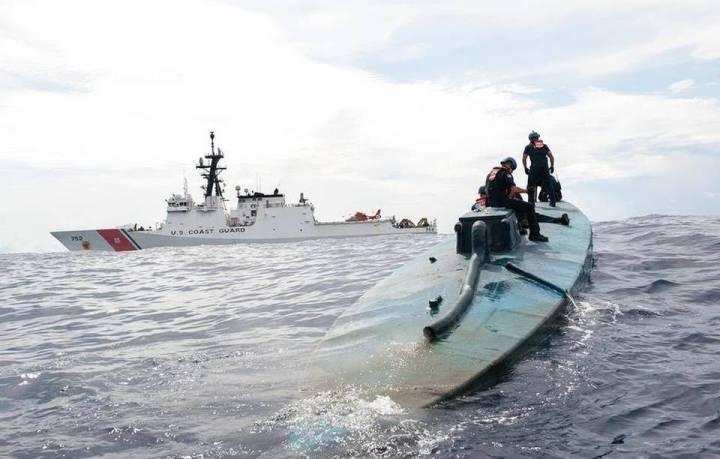 Semi-submersible trafficking vessel