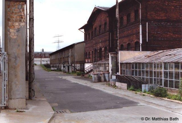 Am 28.2.1982 wurde ich in diesem Haus 8 - MED-Punk des Zuchthauses StVE Berlin Rummelsburg das erste Mal aufgepfählt: Bei der Gewaltrecktoskopie  auf Befehl des MfS hat mir der Anstaltsarzt IMS