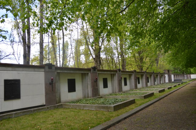 Red Army Heroes rest in Pease in the North of Berlin in this cemetry 20 Thousends men.