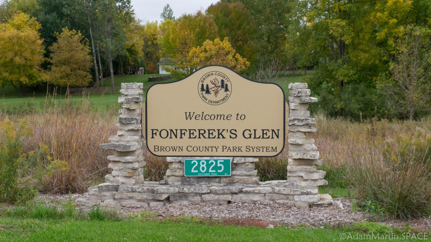Fonferek's Glen - Entrance Sign