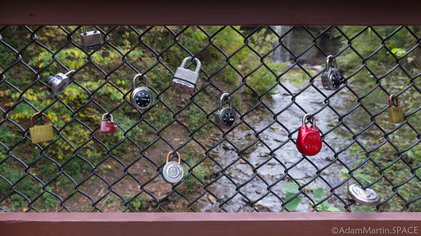 Wequiock Falls - Trashy love locks