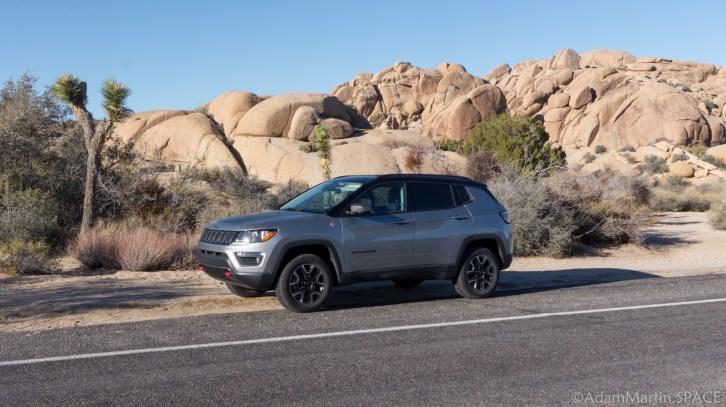 Joshua Tree - Rental Jeep at Skull Rock