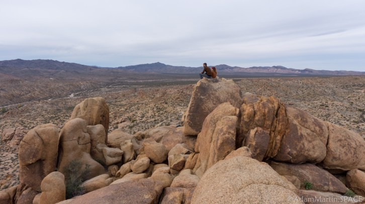 Joshua Tree - Hikers On Top Of Mastodon Peak