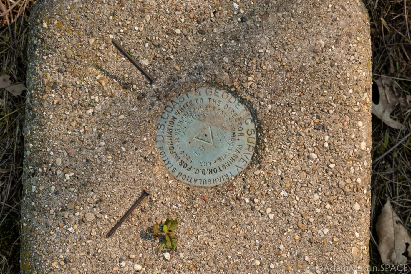 Charles Mound, IL - Highpoint USGS Markers
