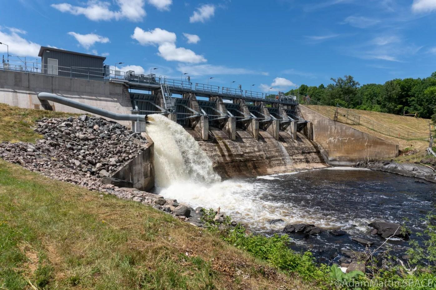 Breakwater Falls - Hydroelectric dam