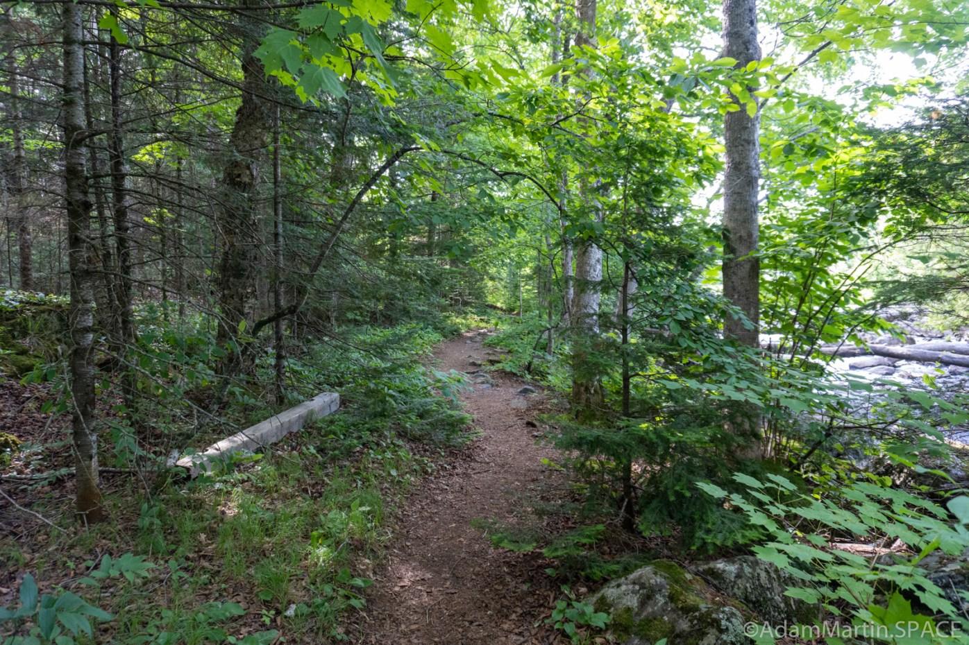 Lake of the Falls - Hiking trail