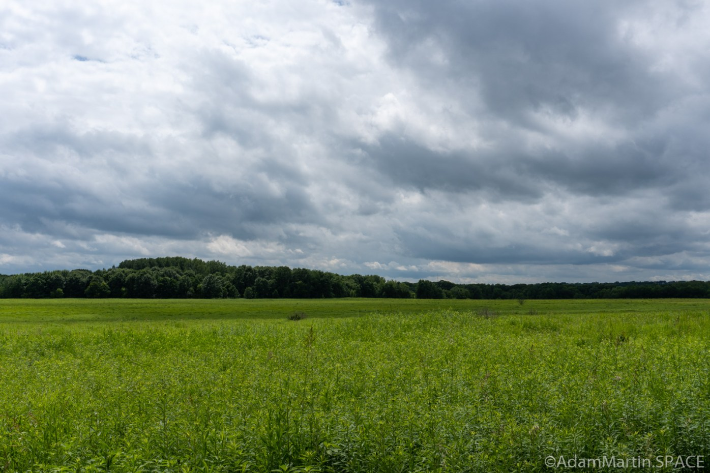 Kinnikinnic State Park - Dramatic clouds over the prairie
