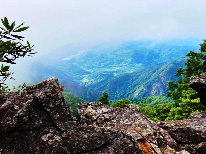 YuanZui Mountain - Adam's Apple: The World