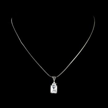 emerald cut pendant