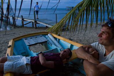 William Trubridge, left, and Nicholas Mevoli relaxed at a competition in Honduras in May. Logan Mock-Bunting/Redux