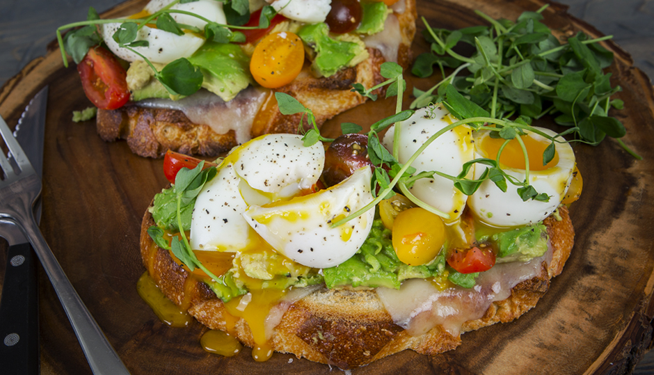Avocado Toast with Cheddar, Tomato and Egg