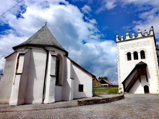 kastiel spisska bela strazky tatry spis slovensko kostol sv. anny renesancna zvonica
