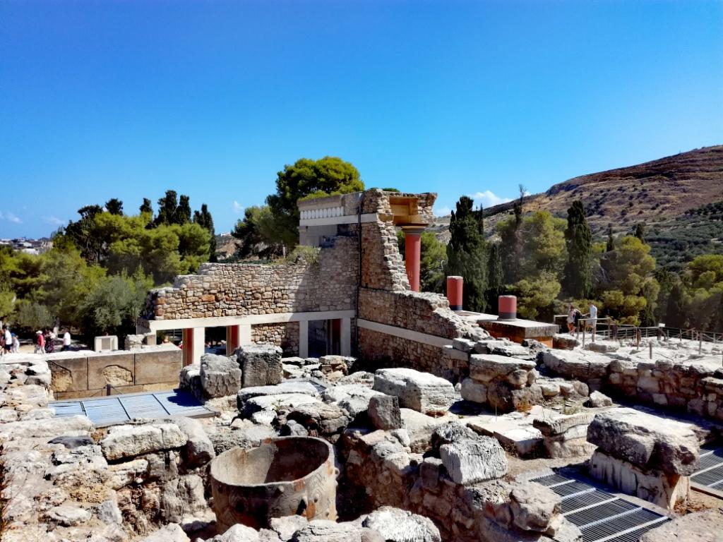 grecko kreta knossos severny vchod zurivy byk