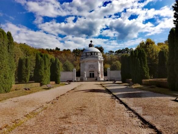 mauzoleum grofa dionyza a frantisky andrassyovcov krasnohorske podhradie horny gemer okres roznava kosicky kraj kosice region slovensko