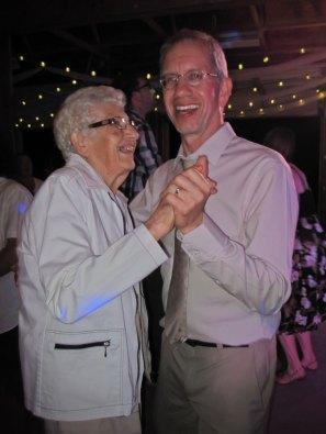 wedding-dancing-IMG_8193